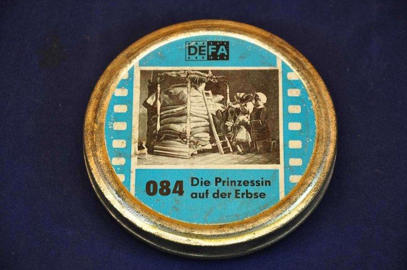 Prinzessin auf der erbse film  DEFA 084 Die Prinzessin auf der Erbse - 8 mm at shop KuSeRa