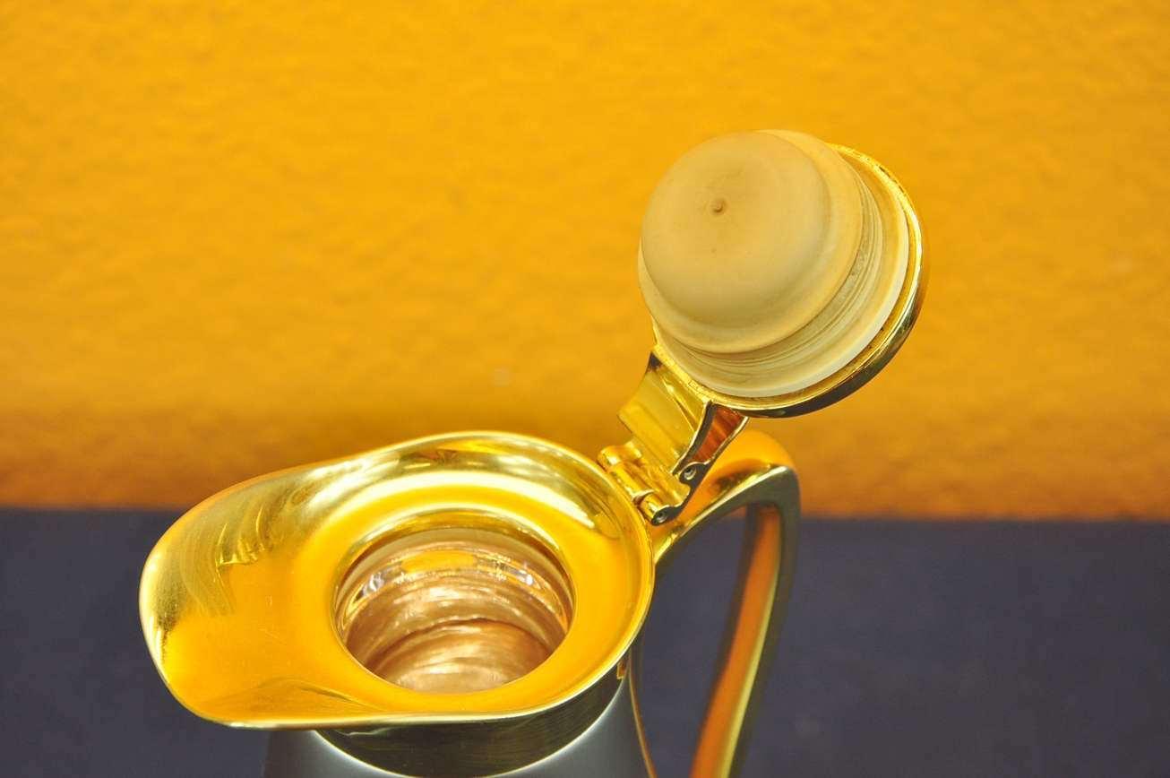 isolierkanne alfi saphir vergoldete anbauteile kusera. Black Bedroom Furniture Sets. Home Design Ideas