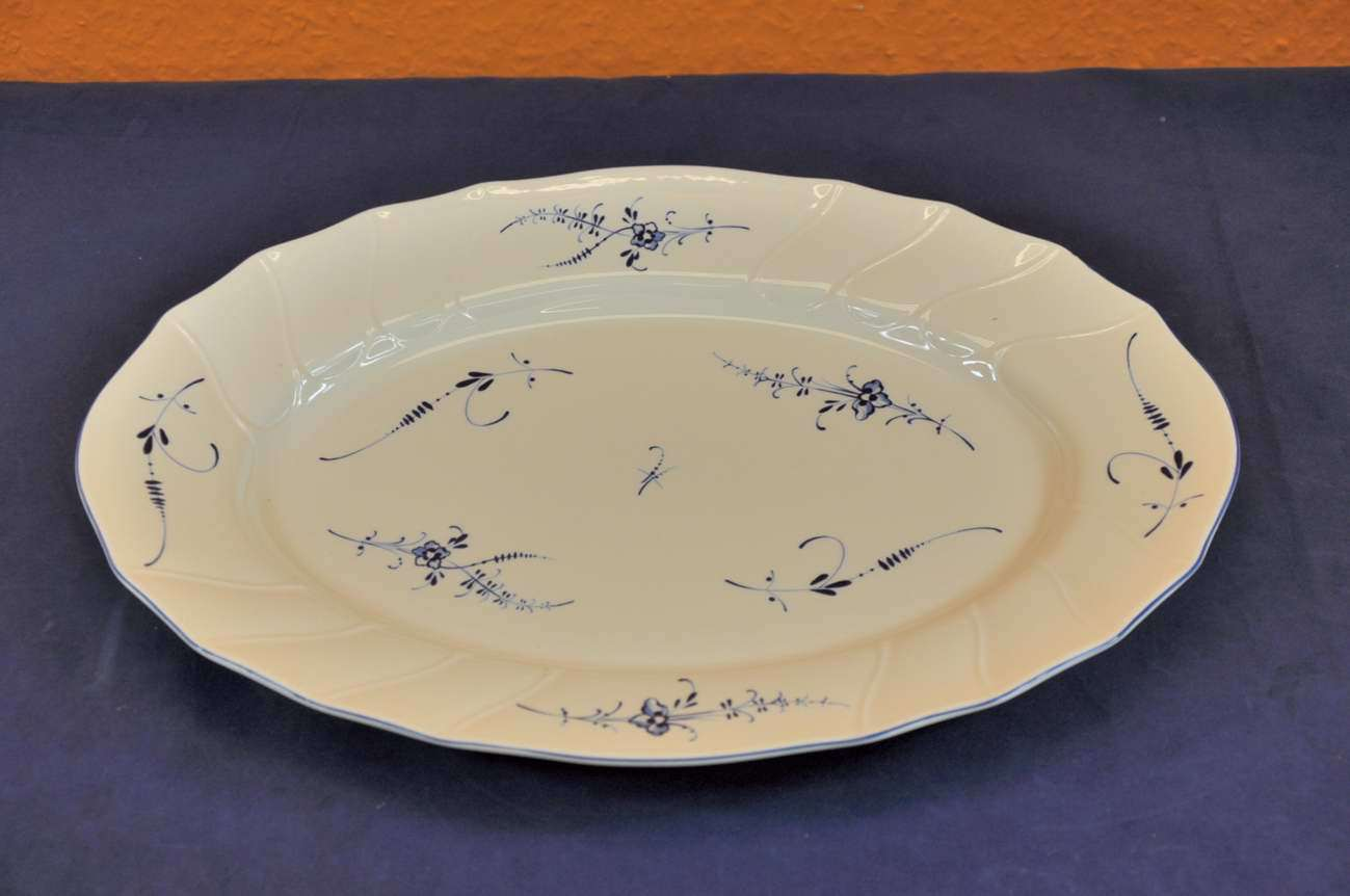 villeroy boch old luxembourg plate oval v b porcelain kusera. Black Bedroom Furniture Sets. Home Design Ideas