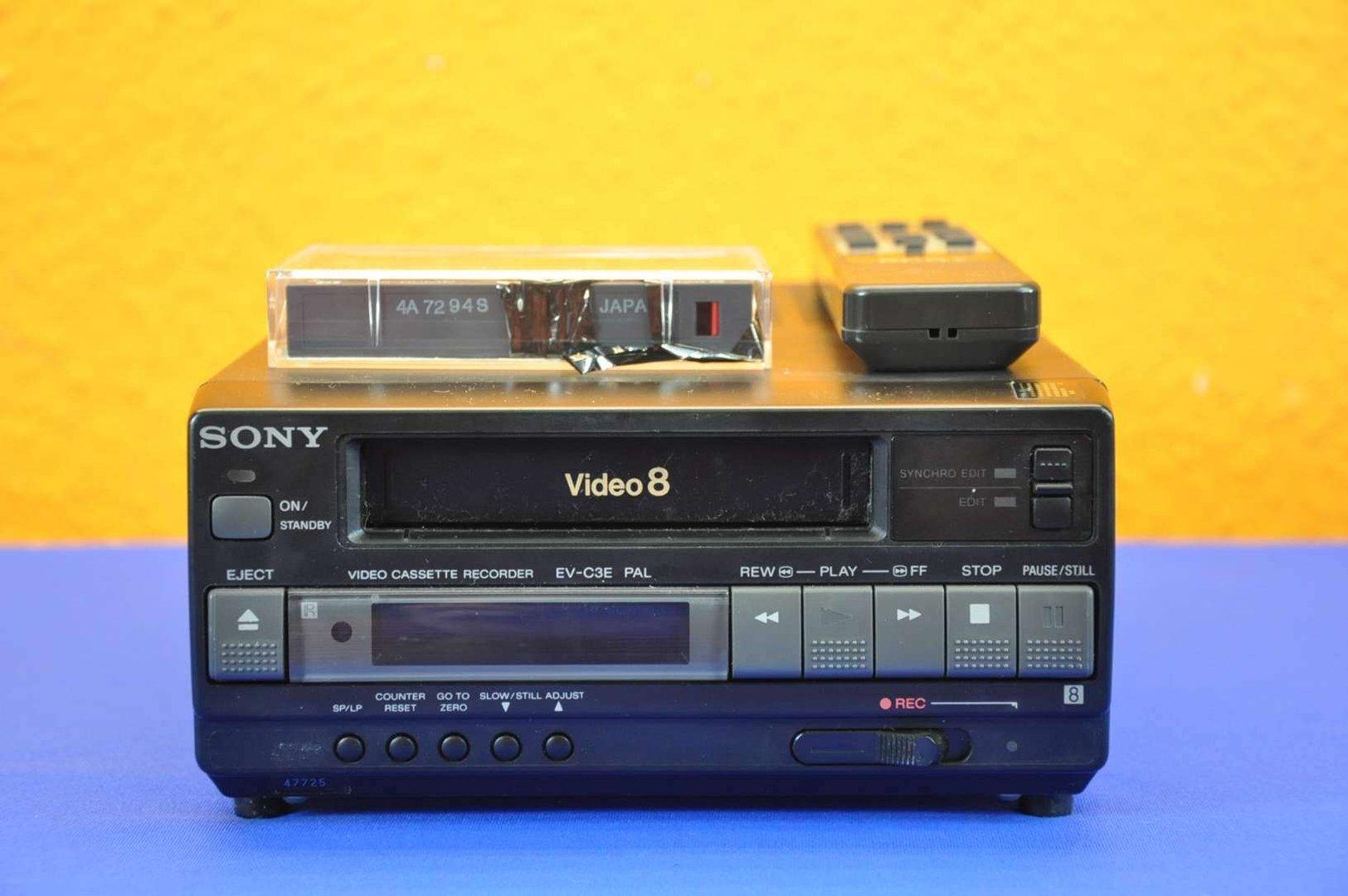 Sony Video 8 Video Cassetten Recorder EV-C3E PAL