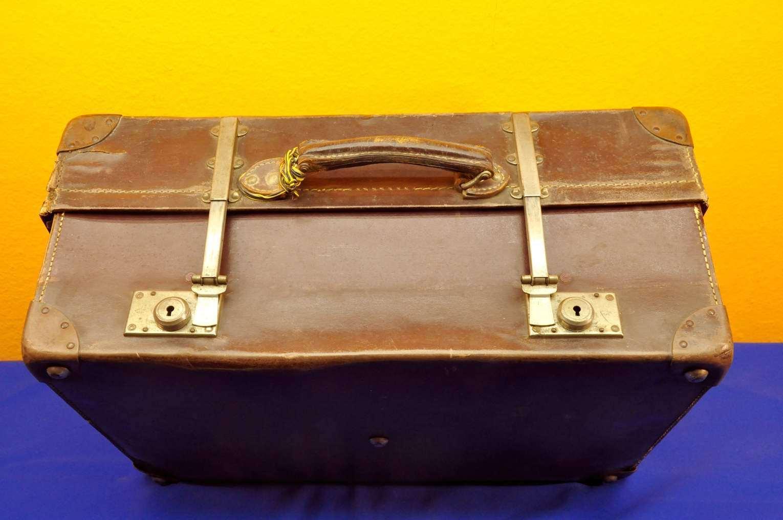 3e3c8ef14c28e Nivoll Koffer aus Leder 14x verstellbar Revelation 1900 - KuSeRa