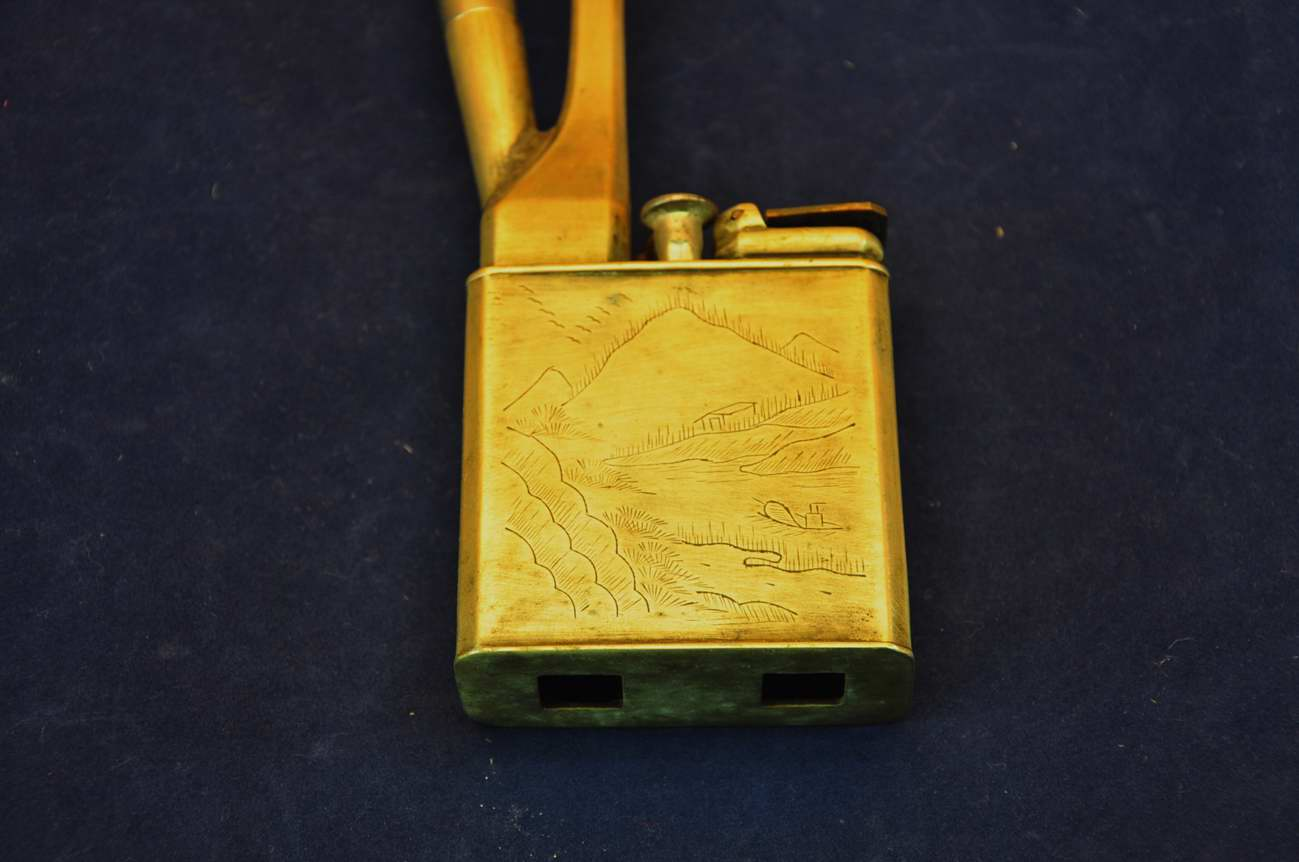opiumpfeife aus metall mit asiatischen schriftzeichen kusera. Black Bedroom Furniture Sets. Home Design Ideas