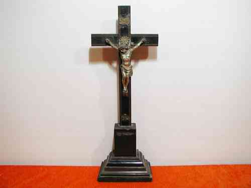Table Crucifix - Jesus on the cross