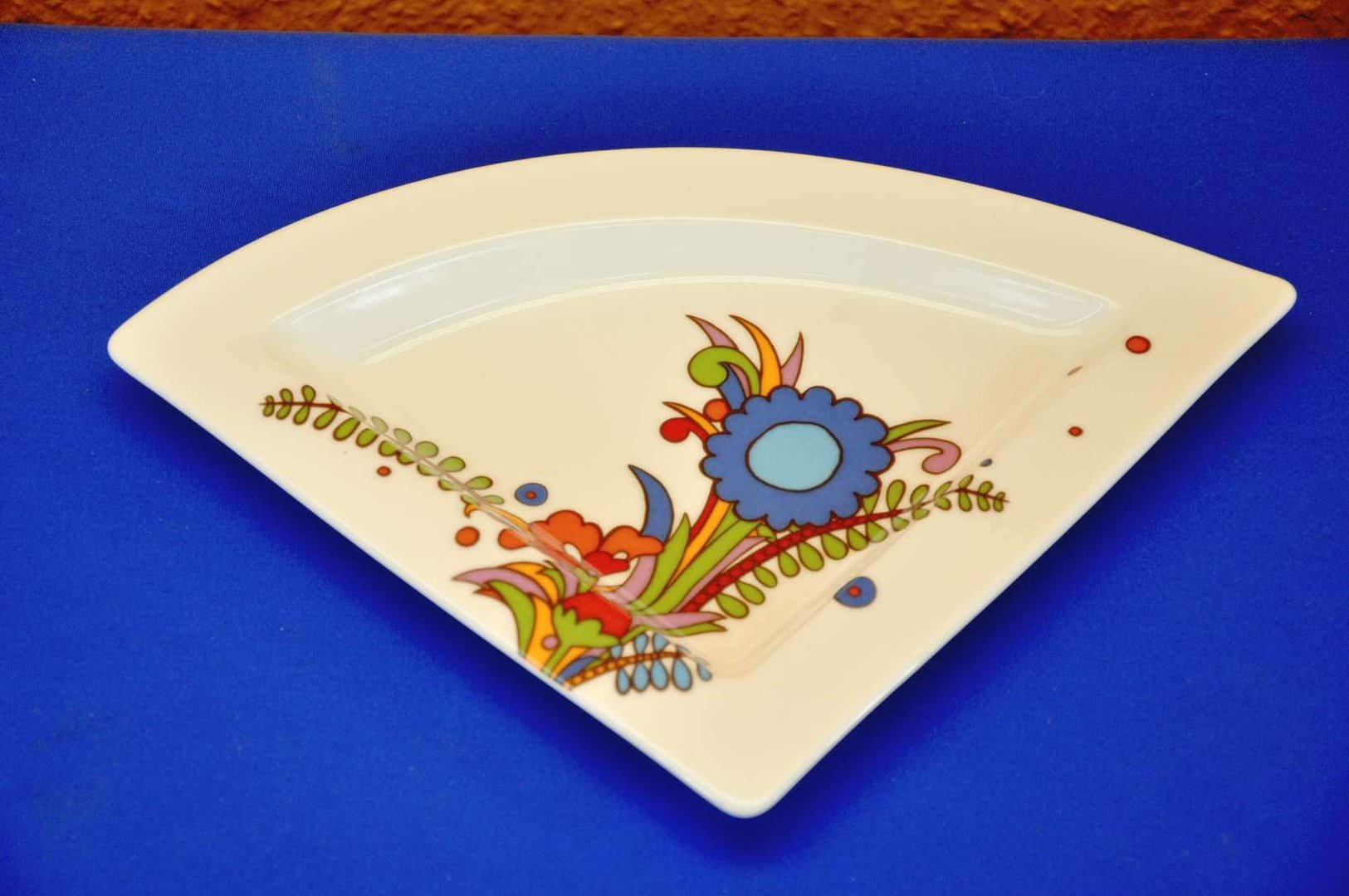 Villeroy boch newwave acapulco plate triangular kusera - Villeroy and boch ...