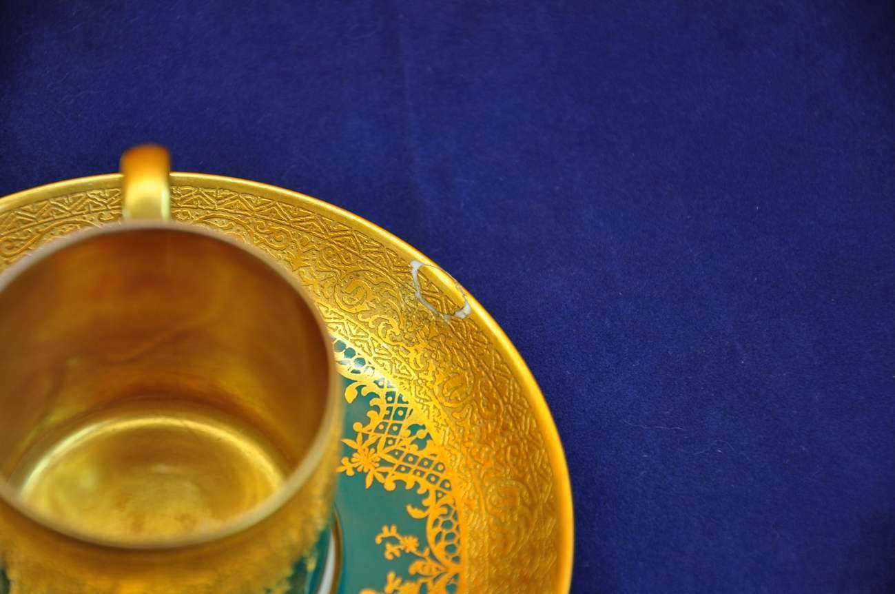 Porcelain coffee service adorned with gold Tirschenreuth - KuSeRa