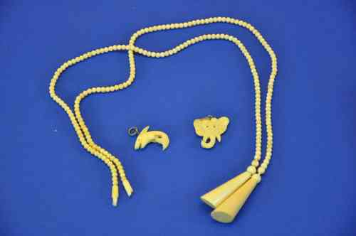 old ivory jewelry necklace + pendant 2 shark / Elephant