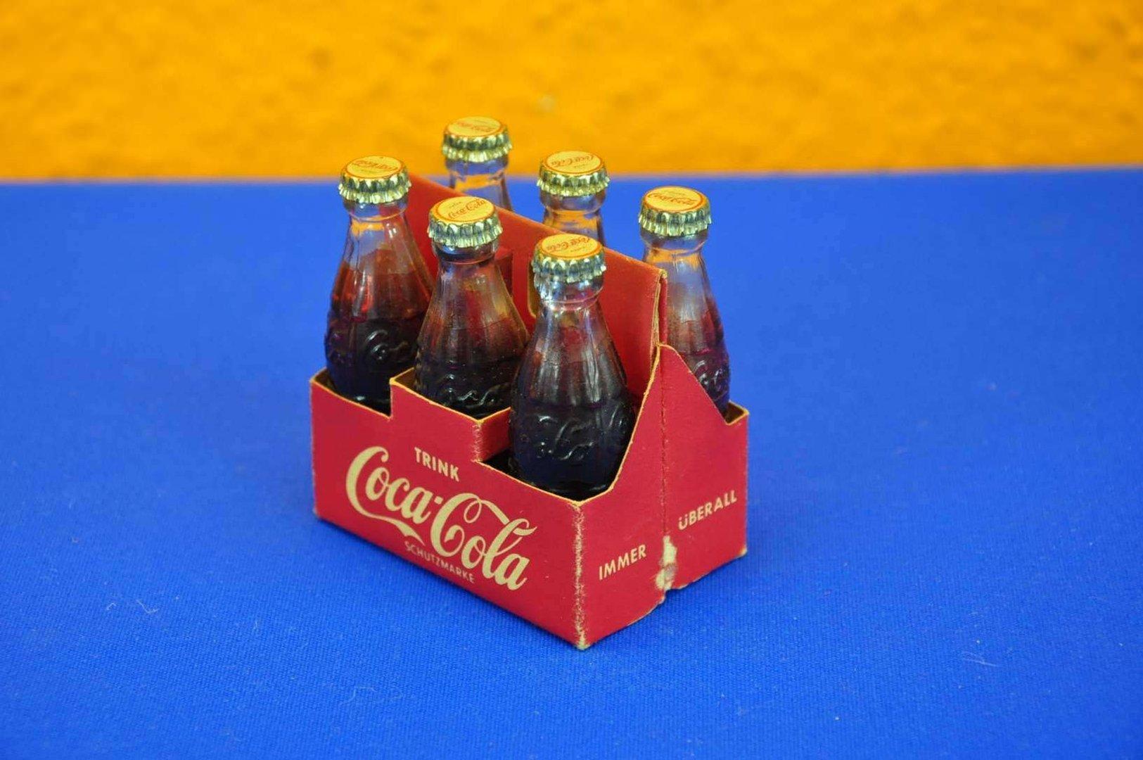 coca cola mini flaschen 6er tr ger 50er jahre reklame kusera. Black Bedroom Furniture Sets. Home Design Ideas