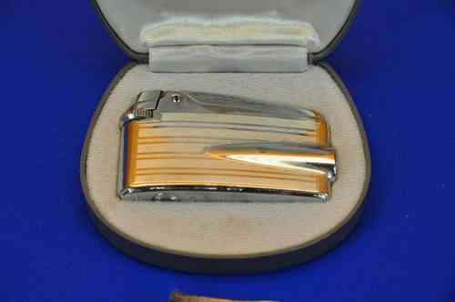 Ronson Varaflame color silver Bond Lighter + box