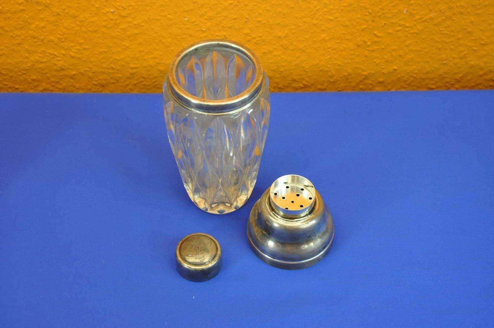 60er jahre kristallglas shaker versilberter ausguss kusera. Black Bedroom Furniture Sets. Home Design Ideas