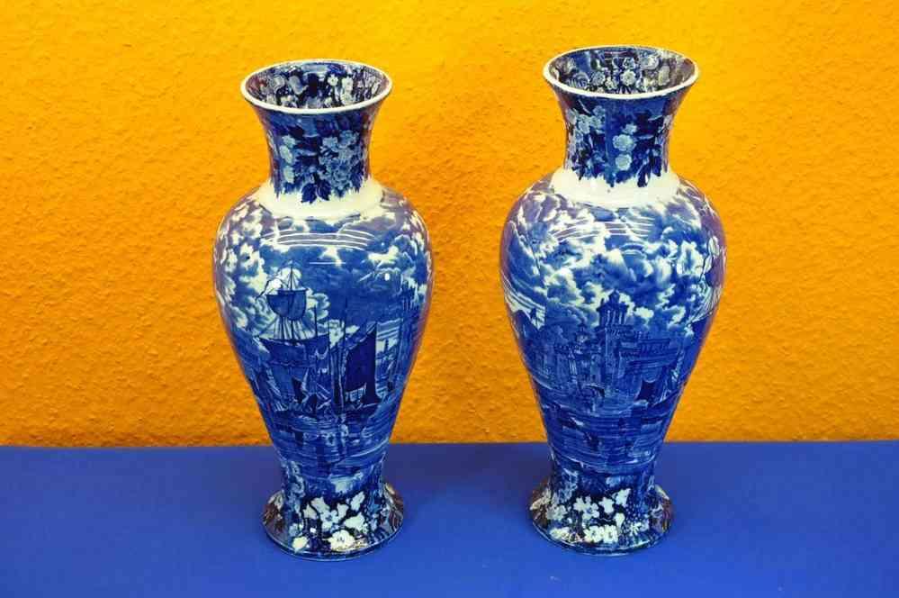 Wedgwood Ferrara Pair Of Vases 37 Cm Blue White 1900 Kusera