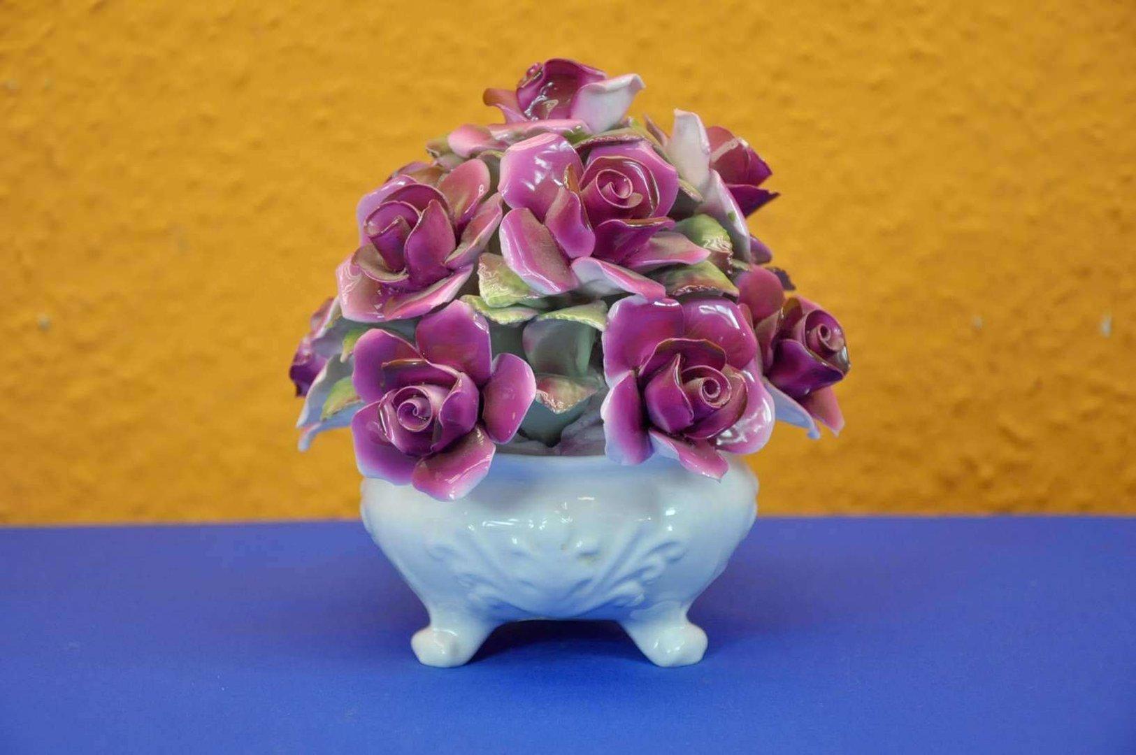 staffordshire rosen bukett gro paridom exclusive bei kusera. Black Bedroom Furniture Sets. Home Design Ideas