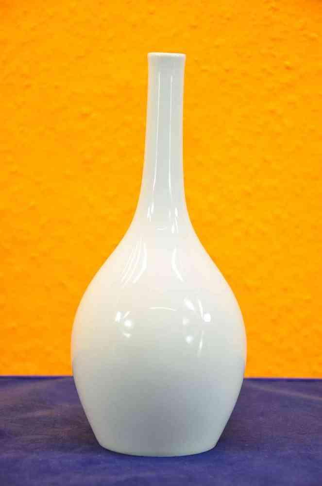 Kpm Vase Shape Of Bottle In White Sceptre Brand 1 Choice Kusera
