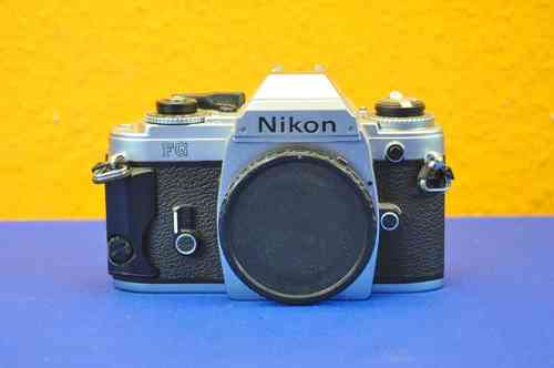 Nikon FG with handle in silver and body cap