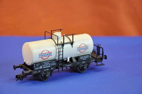 Fleischmann H0 rail tank cars Standard model railways