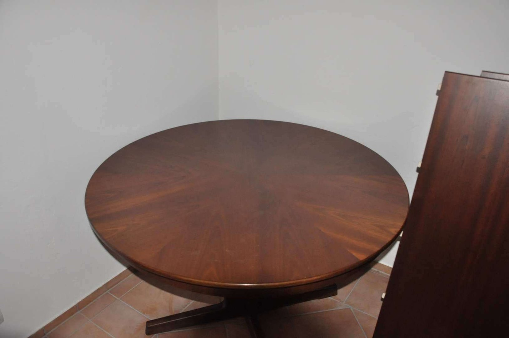 esstisch oval mahagoni