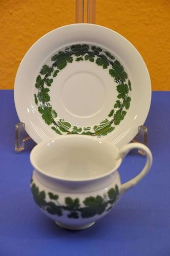 Meissen wine leaves Coffee Cup + saucer swords