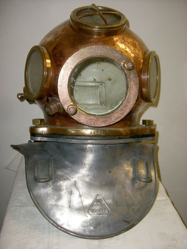 old Dreager DM40 diving helmet of copper iron