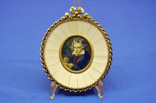 Beethoven portrait miniature magnifying glass painting