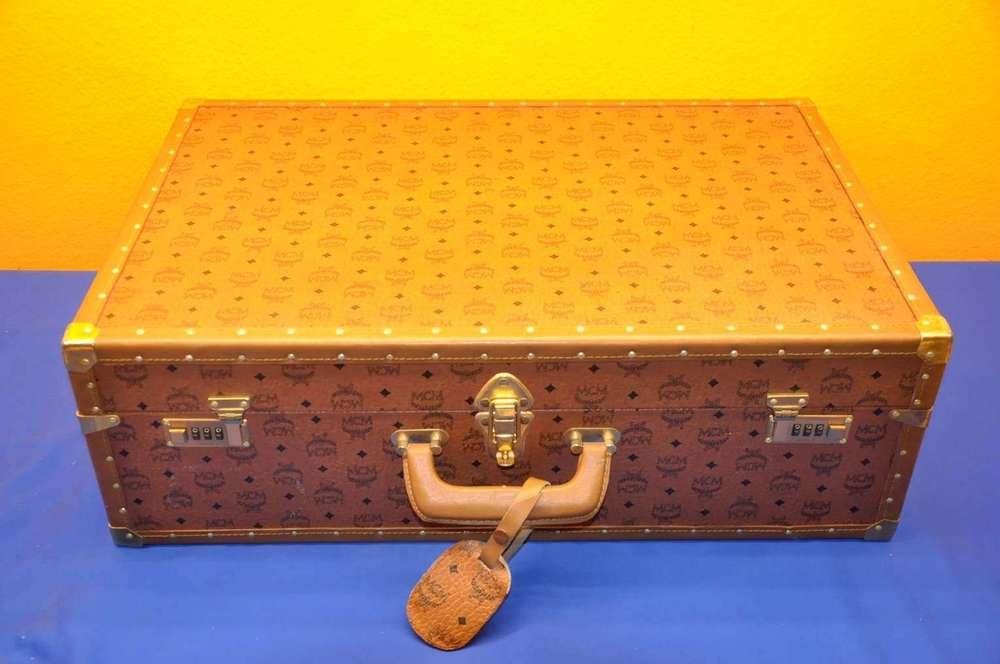 588cfc7f34ee16 Vintage Reisekoffer MCM mit Zahlenschloss - bei Antikshop KuSeRa