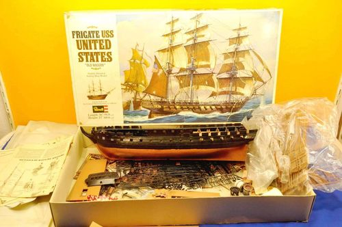 Revell H-396 Modellbausatz Frigate USS Old Waggon 1:96