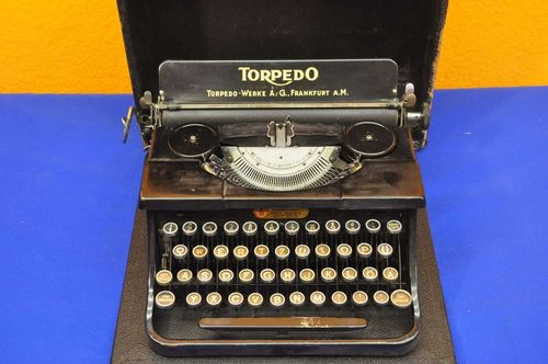 Suitcase typewriter portable typewriter Torpedo 1940