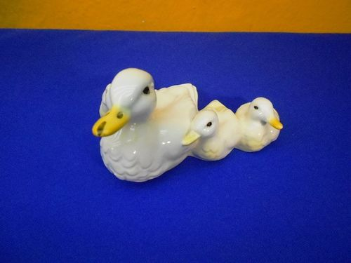 Goebel Porcelain figurine Duck mother with chicks