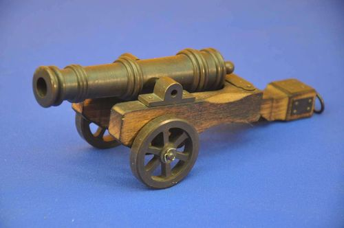 Model cannon 15th century bronze/wood on gun carriage