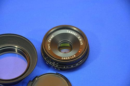 Lens Carl Zeiss Tessar 2,8/45 T* for Contax / Yashica