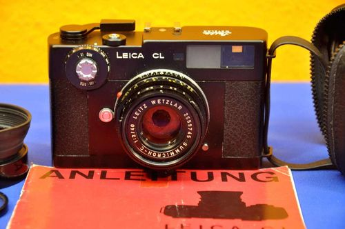 Leica CL + Leitz Wetzlar Summicron-C 1: 2/40 + accessories