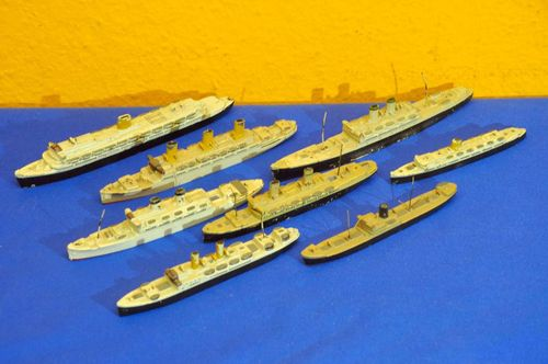 Collection - 8 Metal Wiking Ship Model 1:1250 50s