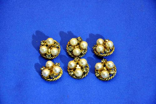 Pearls- rhinestone buttons Set of 6 pieces 70s vintage