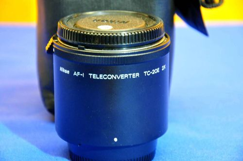 Nikon AF-I Teleconverter TC-20E 2x with bag