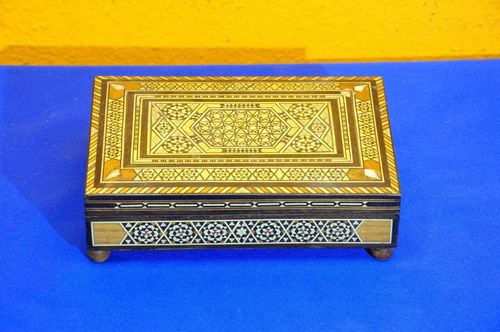 Wooden casket music box magnificent mosaic inlaid