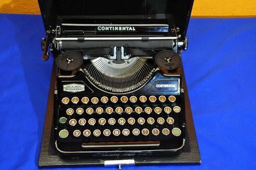 Continental typewriter in suitcase Wanderer Werke