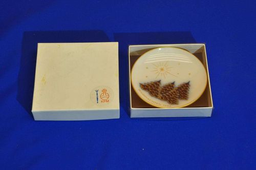 KPM Christmas 1986 Collectible Plate Miniature in box