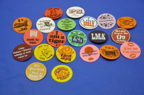 21 funny beat buttons from the 1970s