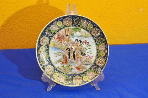 Beautifully decorated China porcelain plate hand-painted