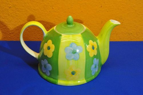 Teapot made of ceramic green yellow flowers Cha Cult