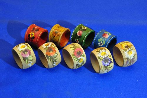 Wooden napkin rings set handpainted 9 pieces