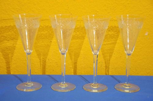 Champagne glasses square stem 4 pieces with stars