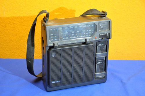 Philips Tornado 860 portable radio 1970s for hobbyists