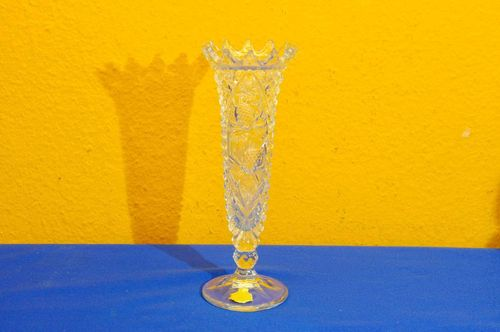 Lead crystal Pressed glass vase with jagged edge