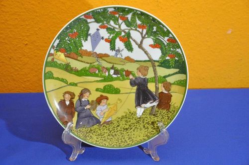 Heinrich Villeroy & Boch Collectible plate hang glider