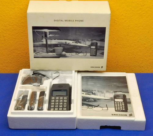 Vintage mobile phone Ericsson GH197 OVP lots accessories