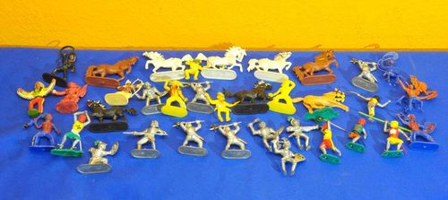 Collection Jean Höfler toys figures knights, cowboys ..