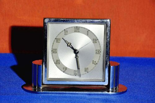 Art Deco Tischuhr Wecker Streamline in Chrom 1930