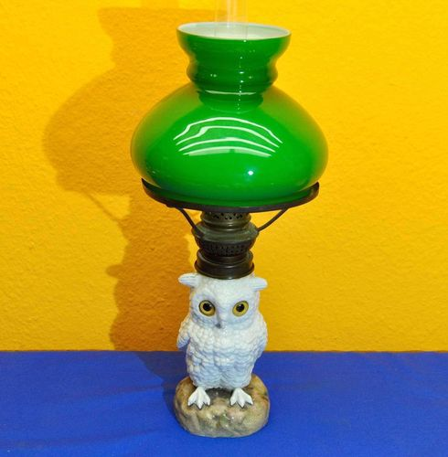 Porcelain owl oil lamp Friedrich van Hauten 1890